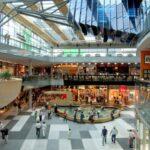 Кризис на рынке заставляет торговые центры меняться